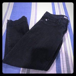3 for $10! Black Denim Cropped Pants size 8 EUC